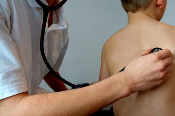 Pneumonia: conheça 6 mitos e verdades sobre o assunto