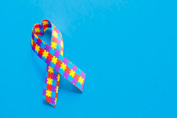 Autismo: O que é, causas, sintomas, diagnóstico e tratamento